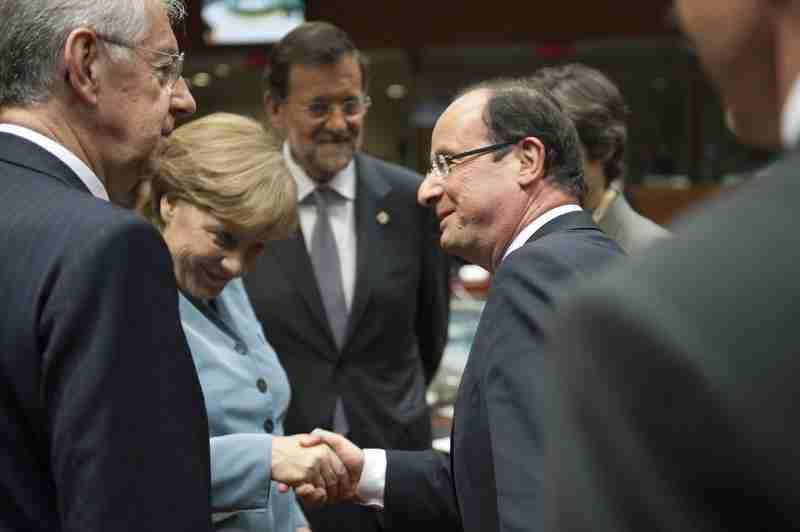 Monti, Merkel, Rajoy (el traductor) y Hollande