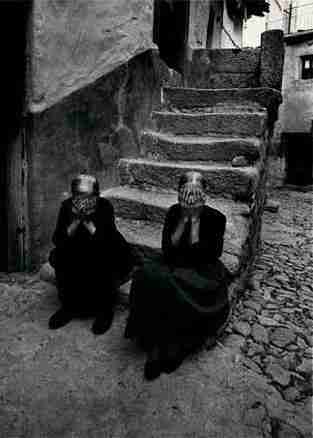 Rafael Sanz Lobato - Ancianas en Miranda del Castañar (Salamanca)