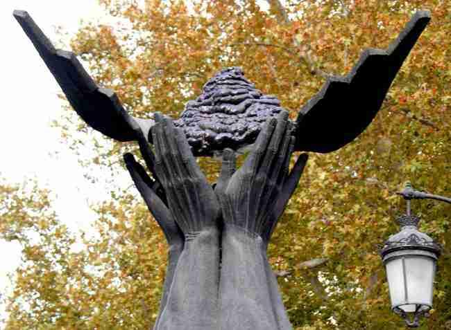 Granada a Jose Antonio. Revisión anónima, 2007.