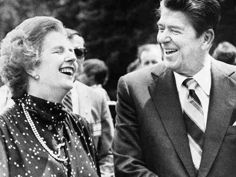 Margaret Thatcher y Ronald Reagan. Foto de AP Photo/File