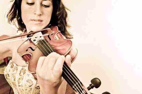 María Rosaria D'Aprile (Concertino de la Orquesta Almaclara)